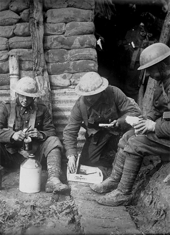 First World War group of soldiers for YFile homepage