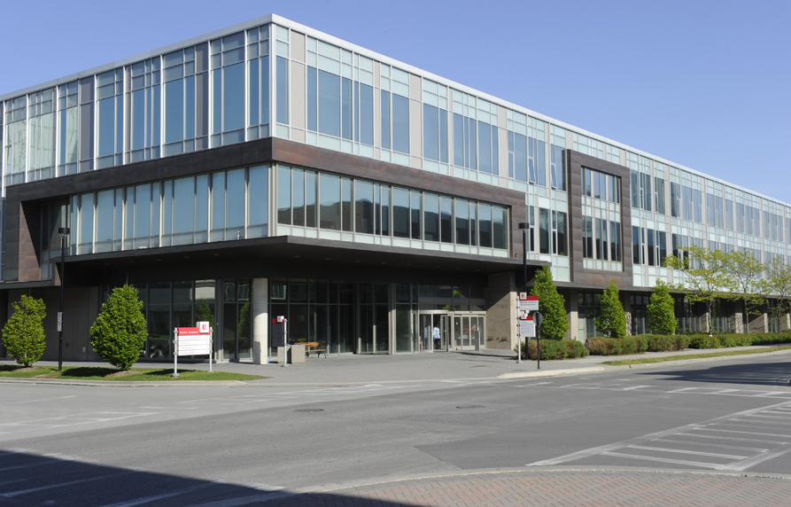 Ian Macdonald Boulevard