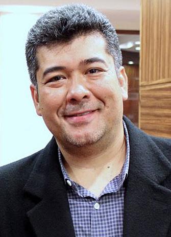 Chemistry Professor Demian Ifa