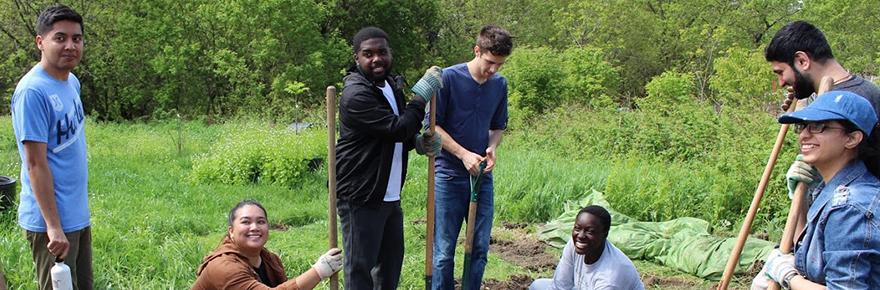 Students working in the Maloca Community Garden